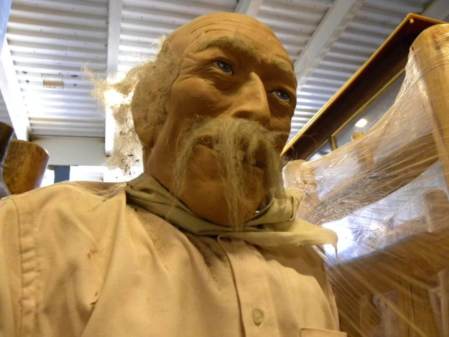 Good job on that murderous gaze, Sculptor.