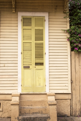 yelllow-house-yellow-door-web