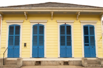 yellow-house-blue-shutter-web